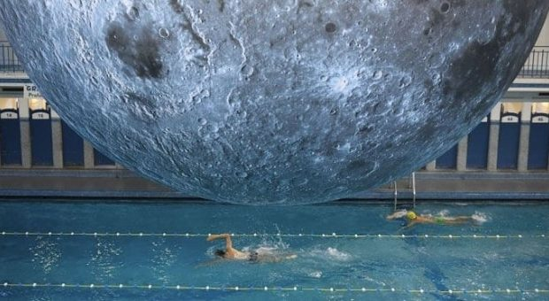 piscina-cozzi-museum-of-the-moon-620x340